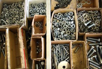 Schrauben, Muttern und diverses In Mechanikerlade