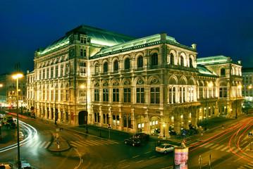 Wiener Staatsoper bei Nacht 003