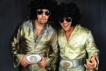 man in Elvis Preslej's suit
