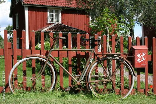 Fahrrad vor Schwedenhaus - 18761339