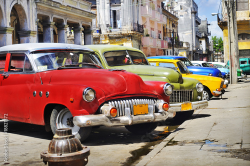 Deurstickers Oude auto s Colorful Havana cars