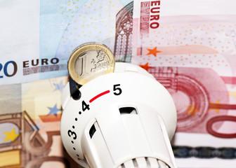 Heizkosten Geld - radiator and money