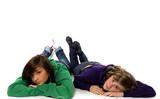 deux adolescentes ensemble poster