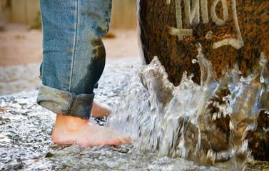 erfrischendes Fußbad