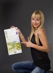 Woman 100 euro