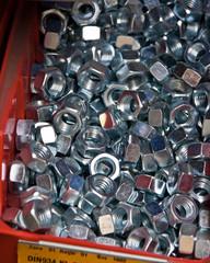 Schrauben in einer Werkstatt