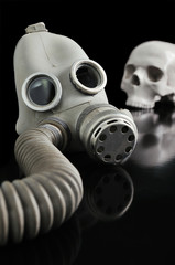 gas mask and Skull