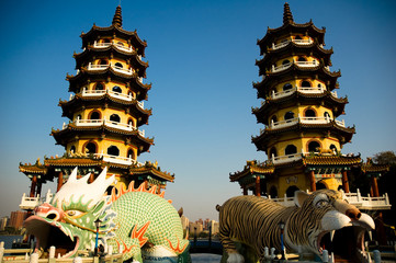 towers of dragon and tiger
