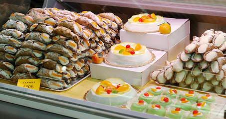 cannoli e dolci siciliani