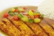 Hähnchenbrustfilet mit Paprikasoße und Reistimbale