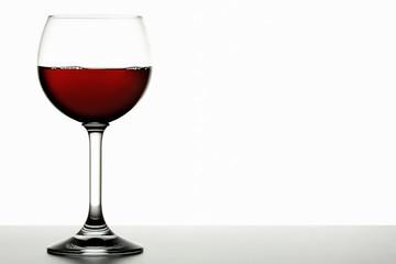Rotwein in einem Bordeaux-Glas