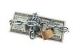 Dollar Geldscheine mit Schloss und Kette.
