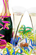 Champagner Flasche und Gläser bei Feier im Fasching