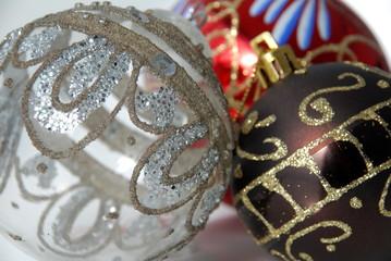 bolas de navidad de colores