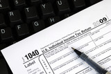 Filing the income tax return online is easy poster