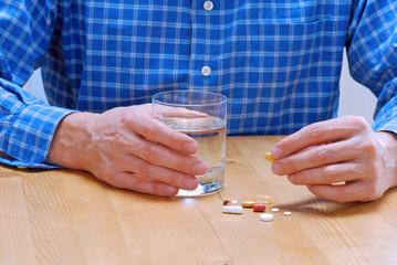 Pillen und Tabletten einnehmen