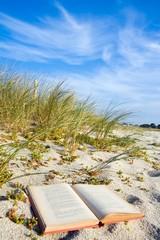 Livre sur le sable