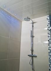Douche à l'italienne avec led