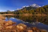 Bergsee mit Spiegelung