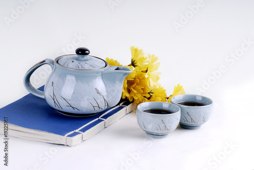 Traditional teapot and cups