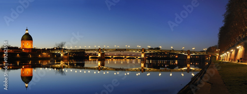 Leinwandbild Motiv panoramique du pont saint pierre à Toulouse