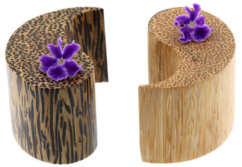 bambou symbole yin-yang fleur duranta fond blanc