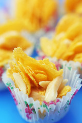 Cornflakes cookies with almond and honey
