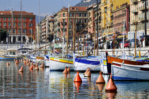 Leinwanddruck Bild Port de Nice en France dans les Alpes Maritimes