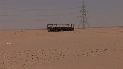 Schrott Bus in Wüste