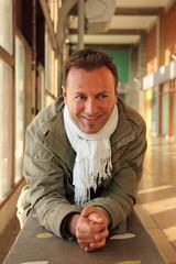 Automne hiver - Homme 40s - souriant, détendu, heureux #2