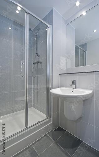 en suite bathroom - 19397914