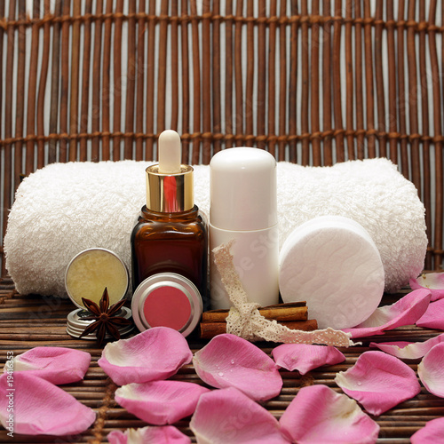 Natural cosmetics with pink rose petals