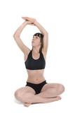 femme qui effectue des postures relaxantes de yoga poster