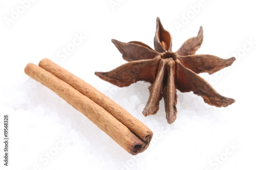 Cinnamon leaf and star anise