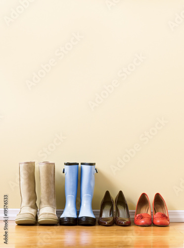 different  women's footware