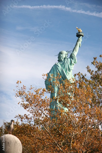LIBERTY STATUE TRAVEL NEW YORK