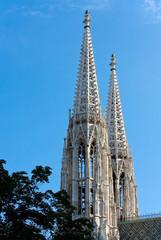 Türme der Votivkirche in Wien