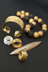 schmuck- gold und Silber