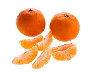 Sweet clementine whole and peeled