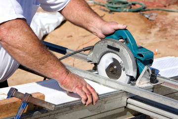 Cutting Soffit With Circular Saw