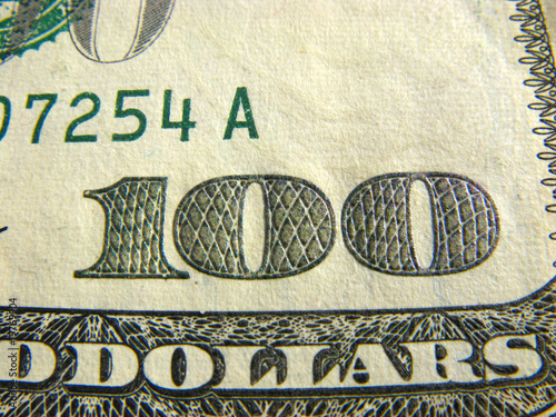Hundred dollars macro.