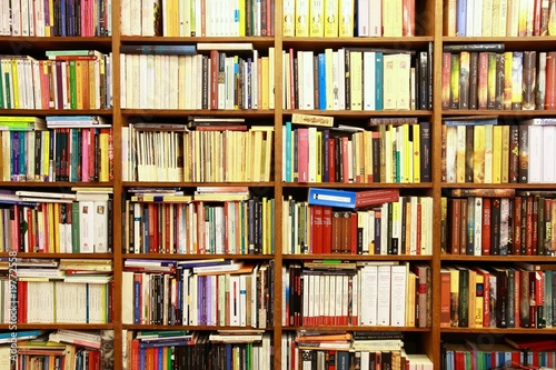Tuinposter Bibliotheek Library, Bücherwand, Buchgeschäft, Buchladen, Spanien
