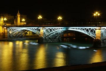 Puente de Isabel II de noche, Sevilla