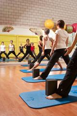 Yoga, Stand