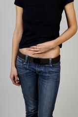 woman having abdomen pain