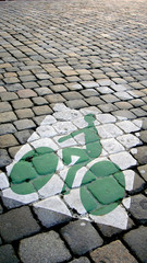 piste cyclable sur les pavés