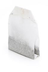 Teebeutel auf weißem Hintergrund