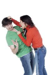 jeune couple violence conjugale