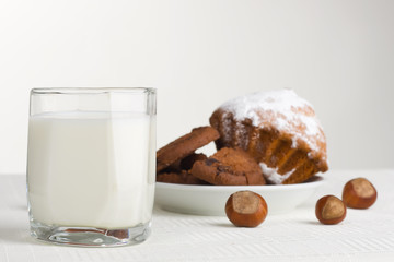 Milk and hazelnuts