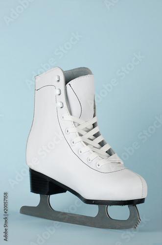 Elegant white figure skate for training and leisure
